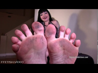 WHITE NYLONS AND DIRTY FEET JOI