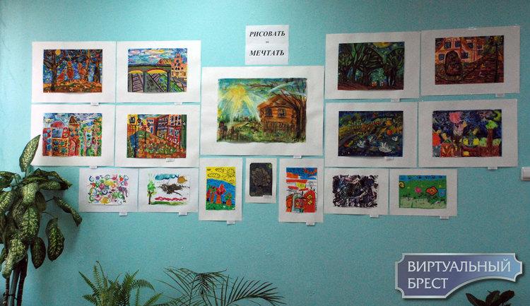 Экспозиция творческих работ объединения по интересам «MYArt» открылась в Бресте