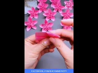 ИНТЕРЕСНЫЕ ТЕХНОЛОГИИ изготовления цветов и фруктов из бумаги, вы обязательно найдете подходящий вариант.