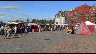 Выборг, Рыночная площадь. Зарисовка выходного дня