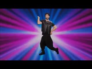 Иван ургант поздравил женщин с 8 марта в клипе с уральским рэпером