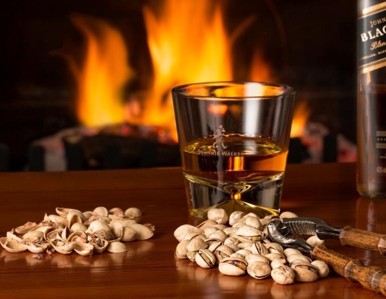 Для Вашего праздника, предлагаем ряд крепких напитков, заводское качество!