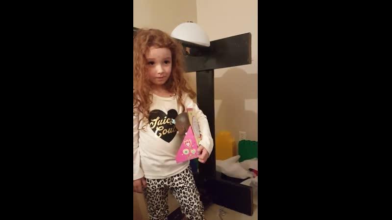 Рыжие девочки и черные куклы