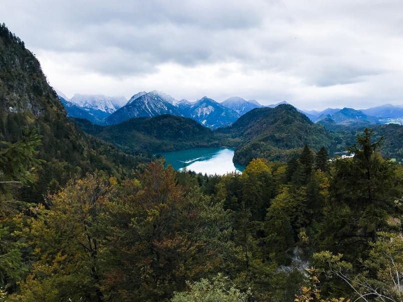 Вид на Альпийское озеро (Alpsee)