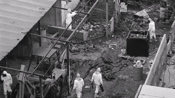 Слабоумие и радиация. Гояния (Бразилия), 13 сентября 1987 года. В один прекрасный день два бомжа Роберто и Вагнер промышляли в стенах заброшенной поликлиники. Мужики искали металл, который после