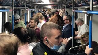 Как живёт Москва? В толпе и давке! Что происходит в метро