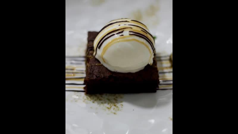 Авторский шоколадный брауни
