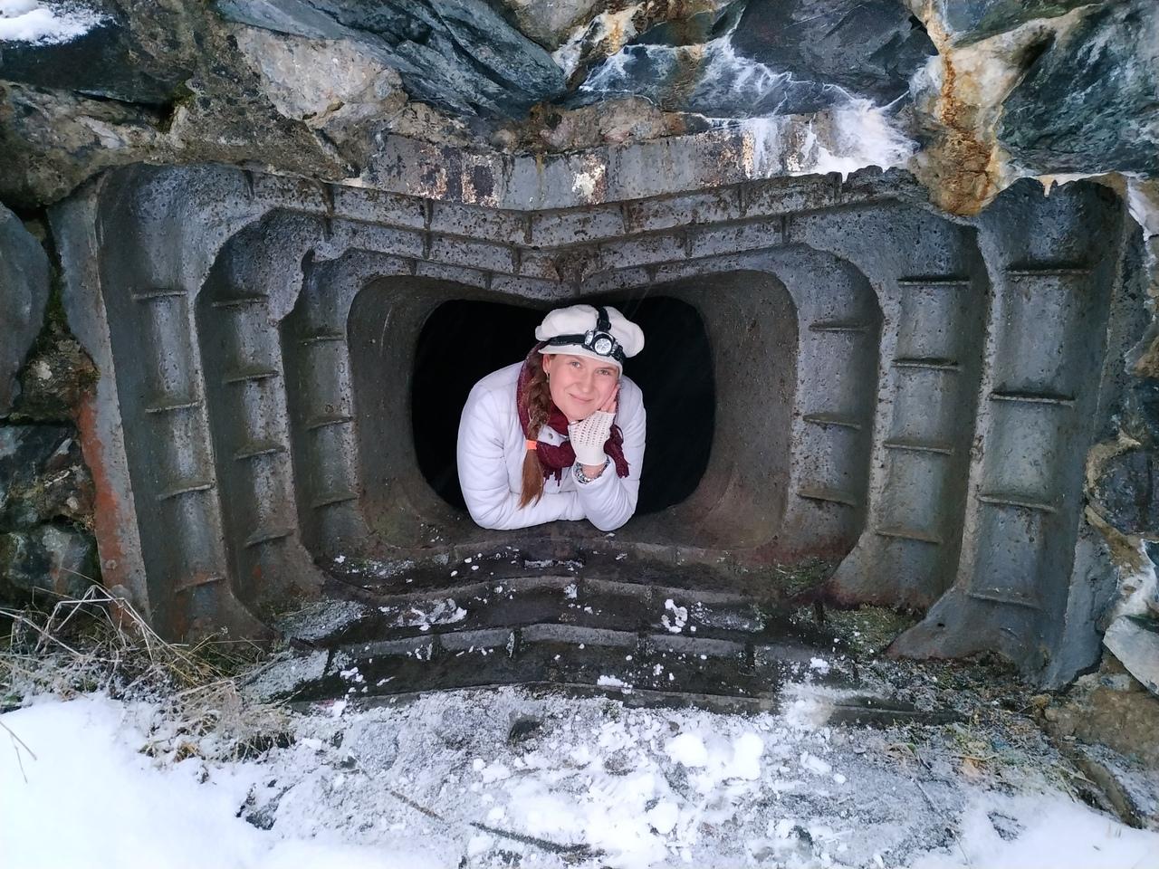 Поездка в Карелию. Город Медвежьегорск. Пещеры в скалах. Финские крепость 1942-44 годов.