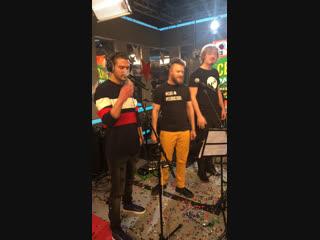 Jukebox Trio Маленькой ёлочке: разыгрываем Suzuki Vitara!!!