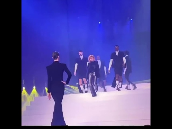Vidéo de Mylène Farmer au défilé de JPG