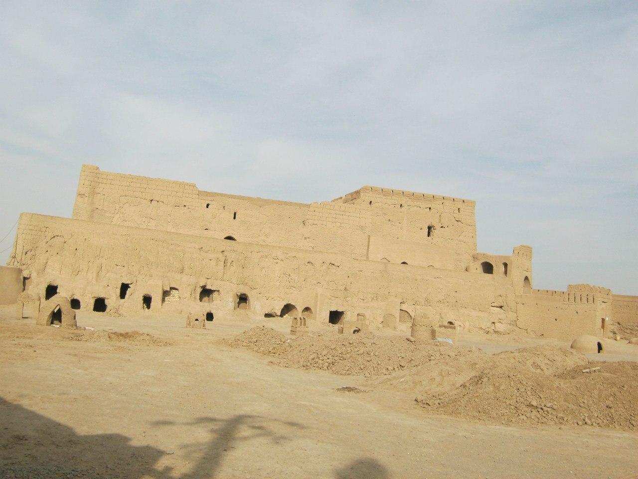 крепость в Мейбод