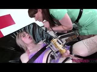 Natalie's Milking clinic (Natalie Mars & Ella Hollywood)