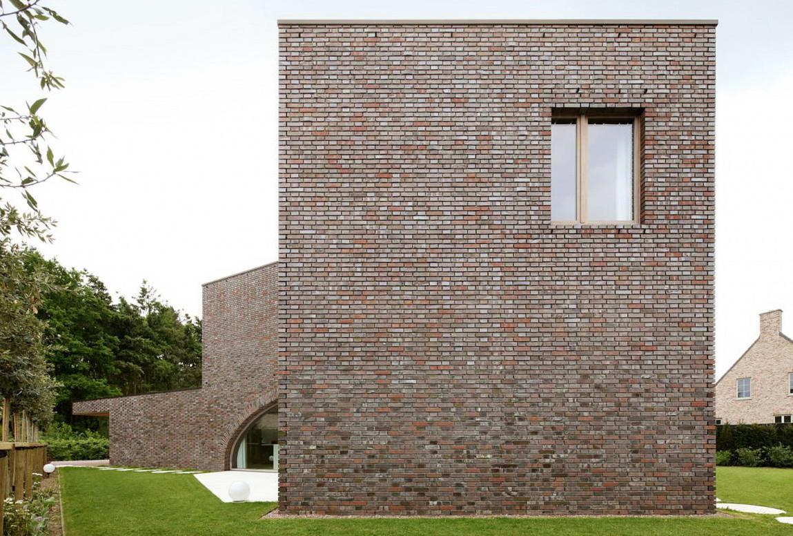 Вилла Мoerkensheide (Villa Moerkensheide) в Бeльгии от Dieter De Vos Architecten.