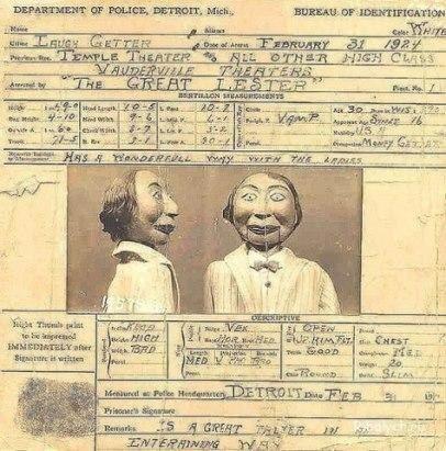Кукла Фрэнк Байрон-младший Перед Вами фотография, сделанная в полицейском участке округа Детройта в 1924 году.На ней изображена кукла Фрэнк Байрон-младший, принадлежащая известнейшему