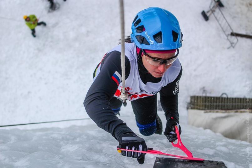 Главные отечественные ледолазные старты сезона финишировали в городе Кирове в минувшие выходные – чемпионат и первенство России по альпинизму. Всем было что доказывать и что терять…, изображение №58
