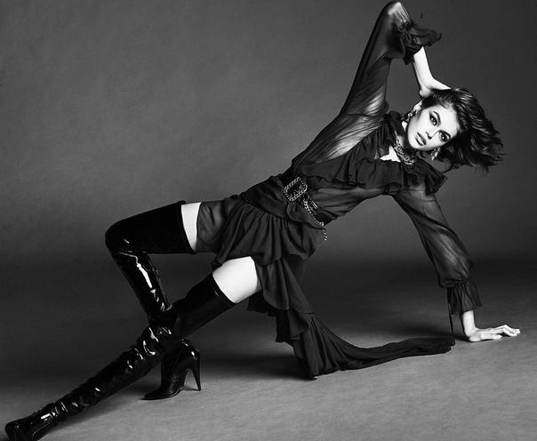 Кайя Гербер снялась обнаженной для обложки Vogue и рассказала о психическом здоровье