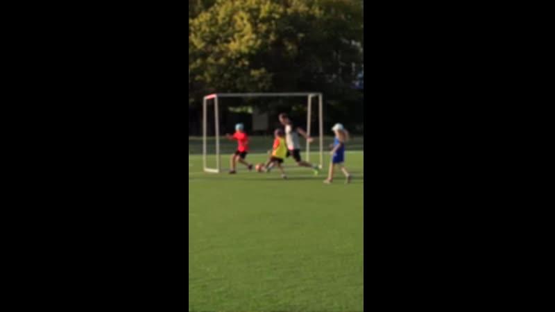 Приглашаем на тренировки по футболу девочек 2010-2016 г. р.