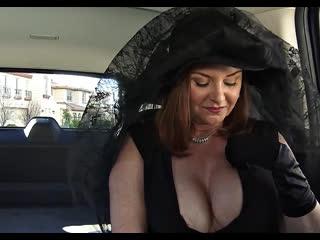 ПОРНО -- ЕЙ 53 -- ПОХОРОНИЛА МУЖА И ОТ СТРЕССА ДАЛА ШОФЁРУ -- milf mature gilf granny porn sex -- Janet Mason