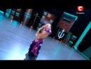 Красивый танец очень красивой девушки
