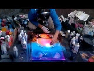 на Арбате художник рисует картины краской с баллончиков часть 2