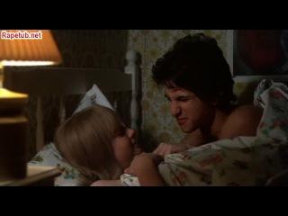 Сцена с обнажением молодой Джоди Фостер.