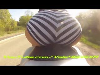 Девушка решила покатать свою камеру GoPro на мотоцикле