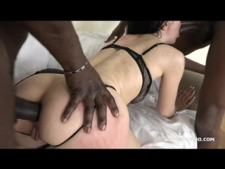 Beautiful DiDevi takes great threesome and gets two cocks in her rectum IV065