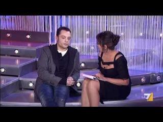 The Show Must Go Off - Intervista a Tiziano Ferro - 21/01/2012