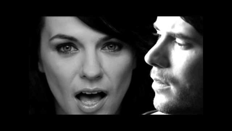 Revolverheld feat. Marta Jandová - Halt Dich an mir fest