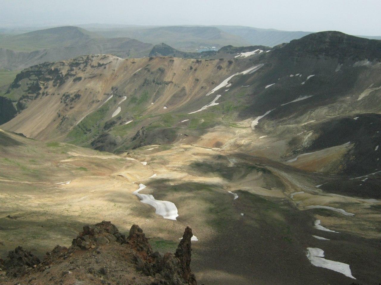 вид с северной вершины на южную вершину Арагаца