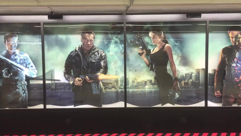 ターミネータージェニシス近づくとショットガンで撃たれます新宿駅に集結ハザードエリアに近づくとターミネーターが撃ってくる terminators fire shotgun at tokyo