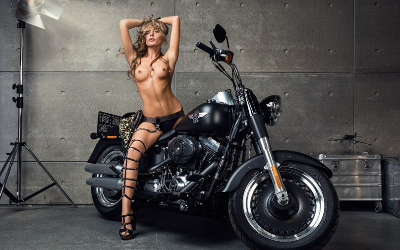 Nudes And Sex On Harley Davidson Choppers