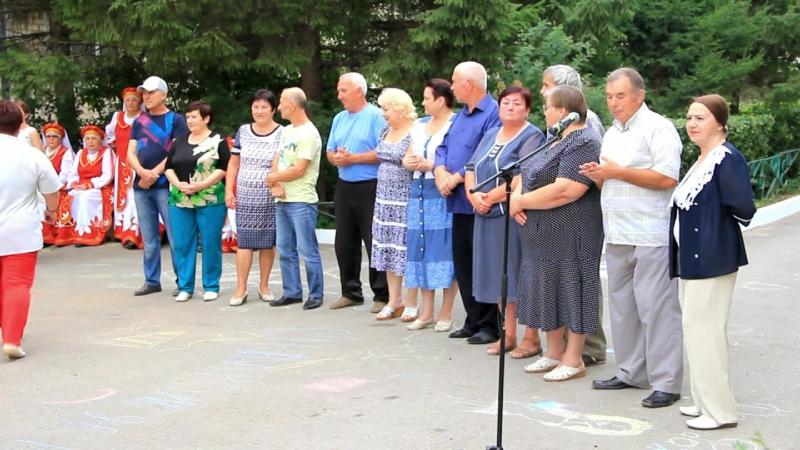 Большой обед добрый сосед Праздник дворов по ул Лермонтова 14 и 16 а
