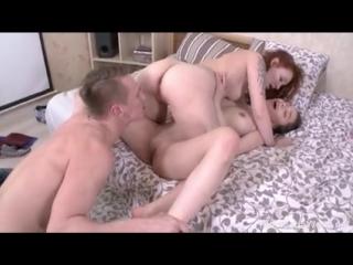 Местные потаскушки решили совратить флегматичного ботаника   минет русское порно большие сиськи зрелые инцест анал порно домашне