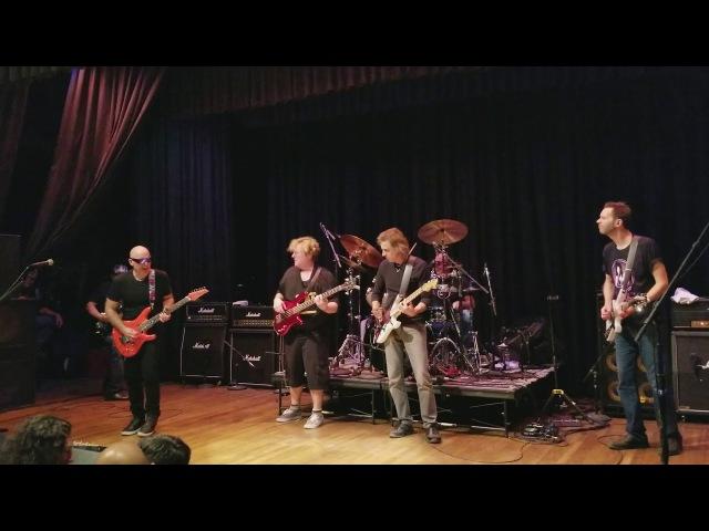 Private Concert G4 2017 Joe Satriani Warren DeMartini Paul Gilbert playing Goin' Down