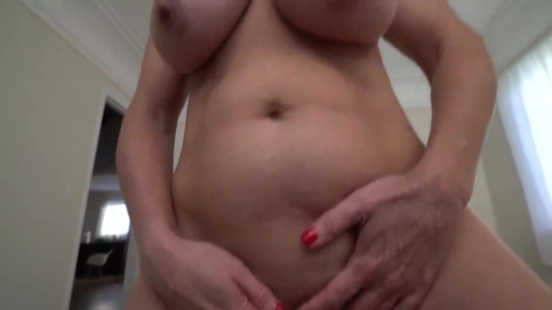 Горячая мама трахает молодого сына, POV mature old mom busty milf sex porn fuck incest hot ass (Инцест со зрелыми мамочками 18+)