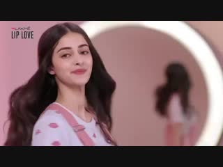 Anya Lakme commercial