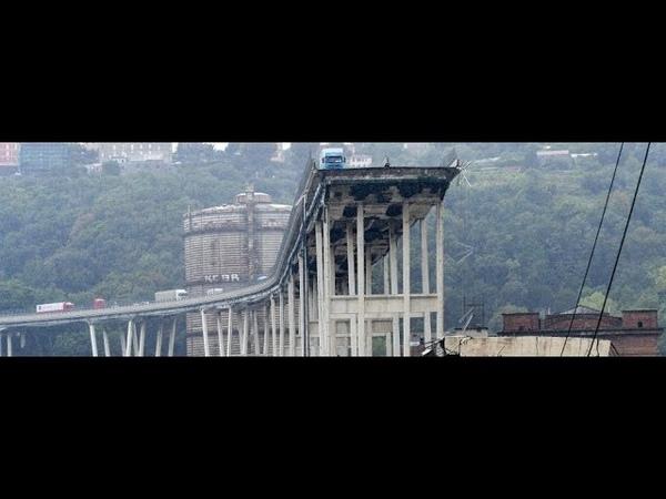 Genova crollato il ponte Morandi Genova the A10 motorway Morandi collapses смотреть онлайн без регистрации