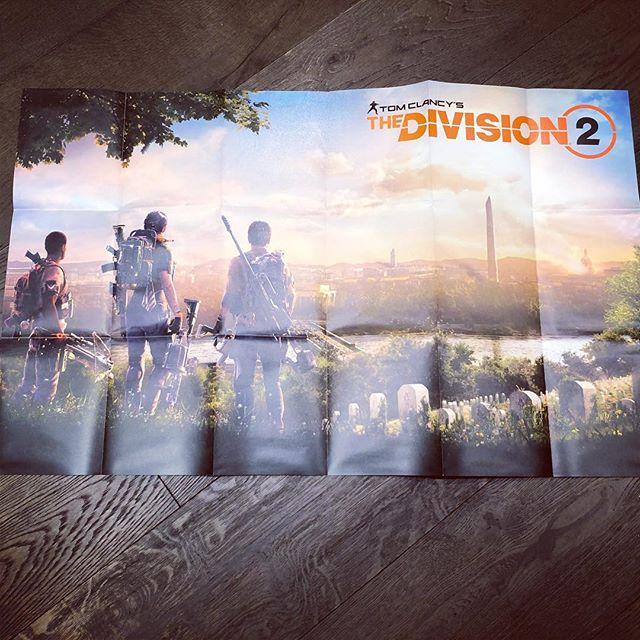 Дмитрий Куплинов: Очень классную коллекционку Tom Clancy's The Division 2 прислали Ubisoft)