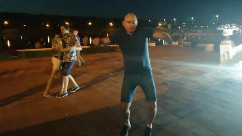 Когда на набережной танцуется какая-то хрень ) [01.08.2018]