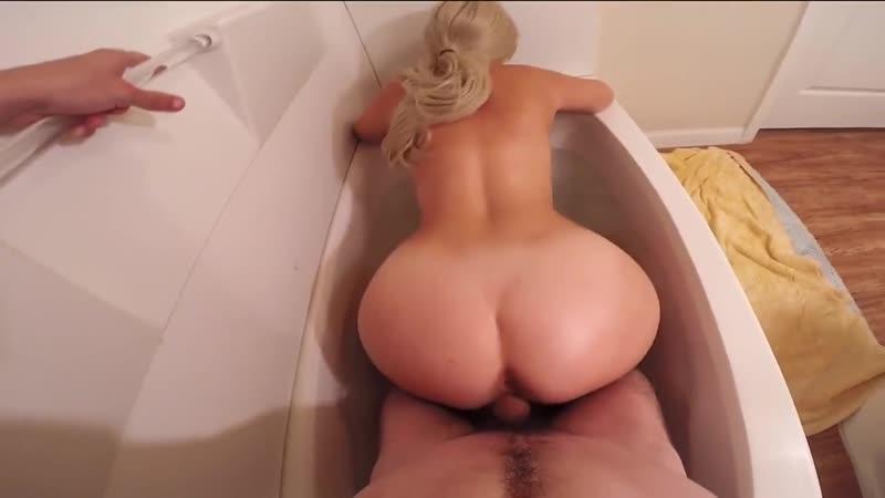 Трахнул и помог кончить блондинке в ванне, POV sex fuck porn home film