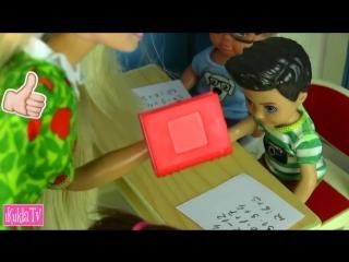 iKuklaTV  Игры в Kуклы со Слоником  Новыи Гардероб Куклы Барби Одевалки Видео для девочек Мультик Про Школу аи куклативи