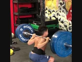 Strength of Body. Мальчик, которому 11 лет приседает 100 кг
