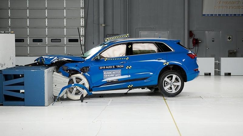 2019 Audi e-tron moderate overlap IIHS crash test