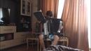 Скейтборд играет на акордеоне Игорь Штогрын