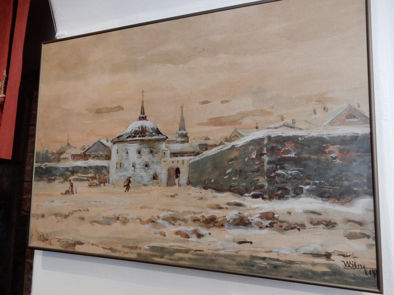 """Крепостная стена вокруг Выборга и круглая башня, которую мне все время хочется назвать """"толстой"""" по аналогии с башней в Таллине"""