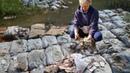 Шок Грибники нашли в лесу полные мешки денег