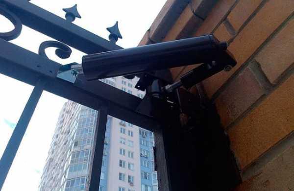 Дверной доводчик на улице – это необходимое устройство, которое используется практически на дверях.