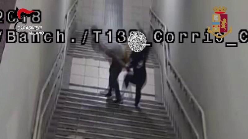Milano molestata in stazione si difende con lo spray al peperoncino