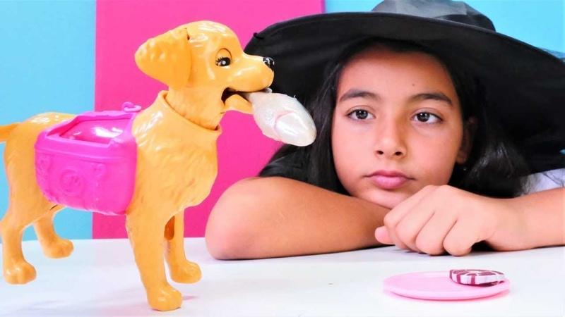 Barbie ve köpeği. Köpek cadının evinde sıkılıp havlıyor